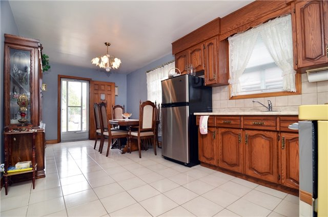 Detached at 58 Coules Crt, Toronto, Ontario. Image 16