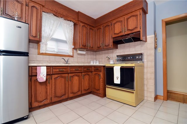 Detached at 58 Coules Crt, Toronto, Ontario. Image 17