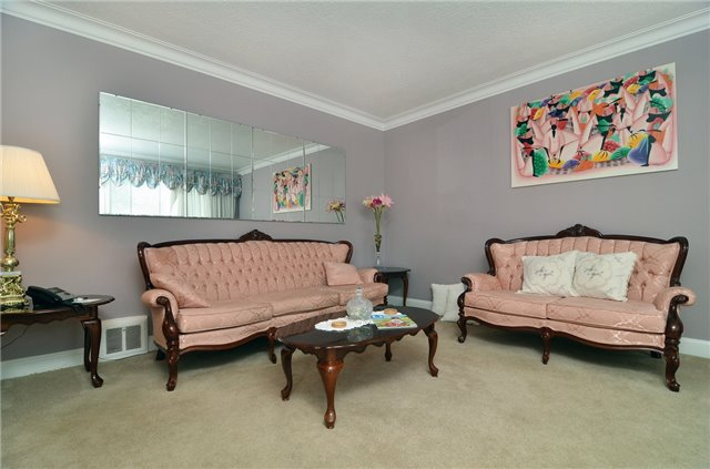 Detached at 58 Coules Crt, Toronto, Ontario. Image 20