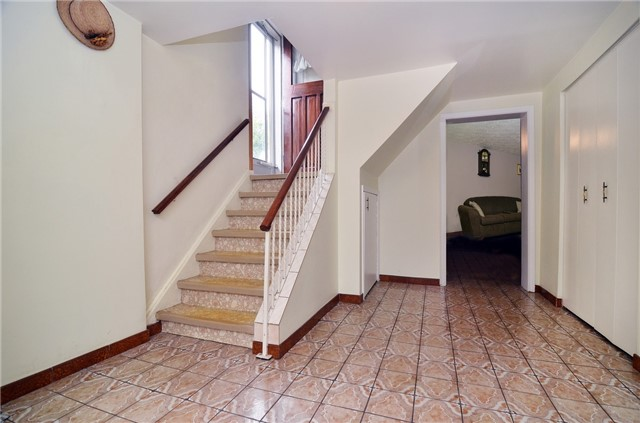 Detached at 58 Coules Crt, Toronto, Ontario. Image 8