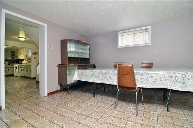 Detached at 58 Coules Crt, Toronto, Ontario. Image 10