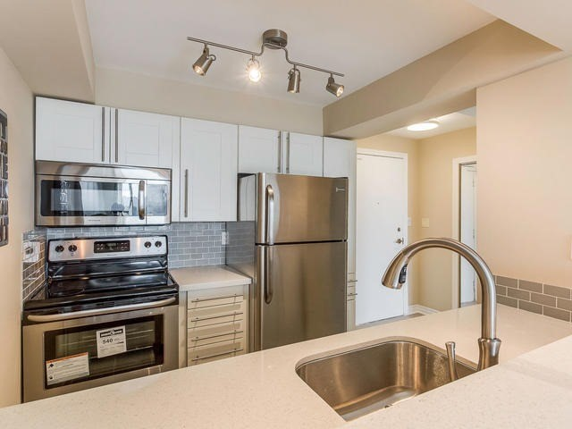 Condo Apartment at 3 Hickory Tree Rd, Unit 802, Toronto, Ontario. Image 19
