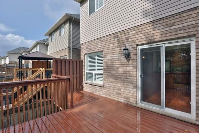 Townhouse at 4086 Medland Dr, Burlington, Ontario. Image 13