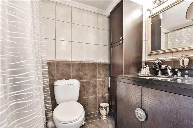 Condo Apartment at 1333 Bloor St, Unit 216, Mississauga, Ontario. Image 4