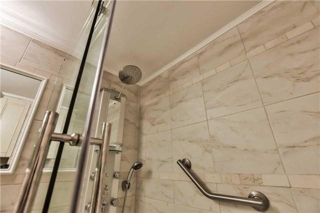 Condo Apartment at 1333 Bloor St, Unit 216, Mississauga, Ontario. Image 8