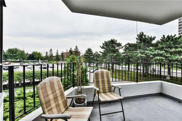 Condo Apartment at 1333 Bloor St, Unit 216, Mississauga, Ontario. Image 9