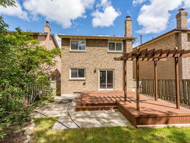 Detached at 4083 Trapper Cres, Mississauga, Ontario. Image 11