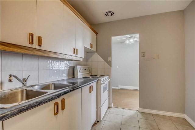 Condo Apartment at 1660 Bloor St, Unit 605, Mississauga, Ontario. Image 2