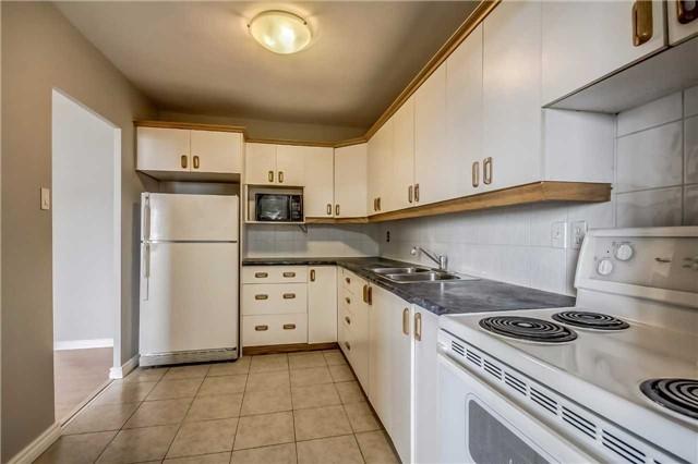 Condo Apartment at 1660 Bloor St, Unit 605, Mississauga, Ontario. Image 3