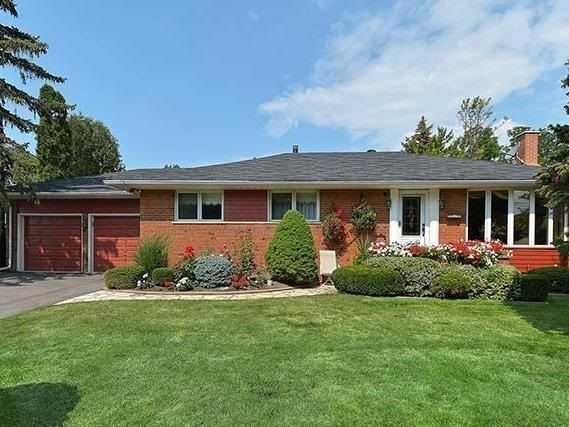 Detached at 25 Shady Lawn Crt, Mississauga, Ontario. Image 1