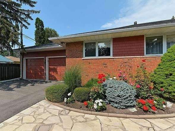 Detached at 25 Shady Lawn Crt, Mississauga, Ontario. Image 12