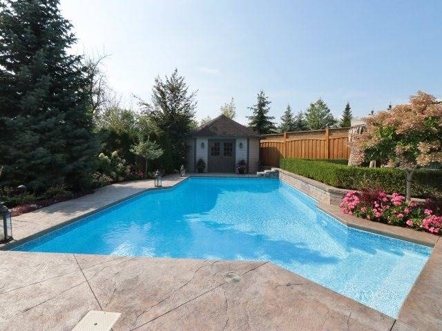 Detached at 2336 Gamble Rd, Oakville, Ontario. Image 10