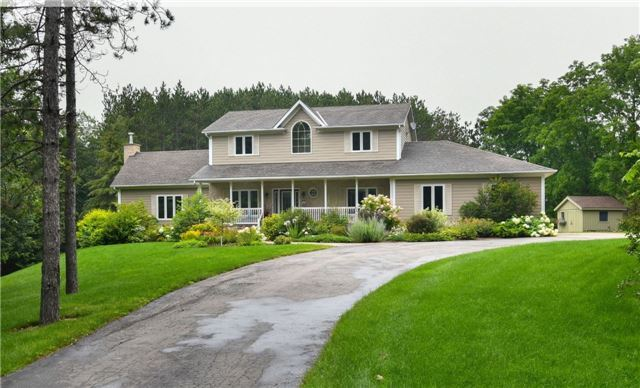 Detached at 235 County Rd 16 Rd, Orangeville, Ontario. Image 1