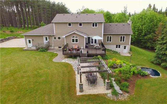 Detached at 235 County Rd 16 Rd, Orangeville, Ontario. Image 13