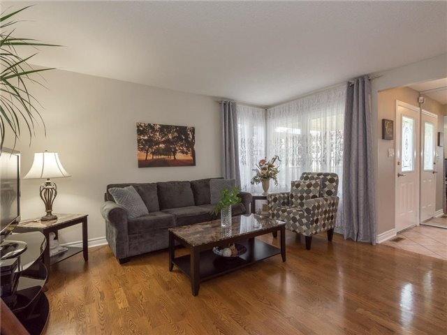 Detached at 6236 Miller's Grve, Mississauga, Ontario. Image 12