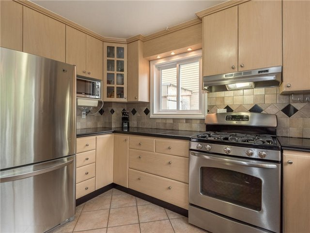 Detached at 6236 Miller's Grve, Mississauga, Ontario. Image 15