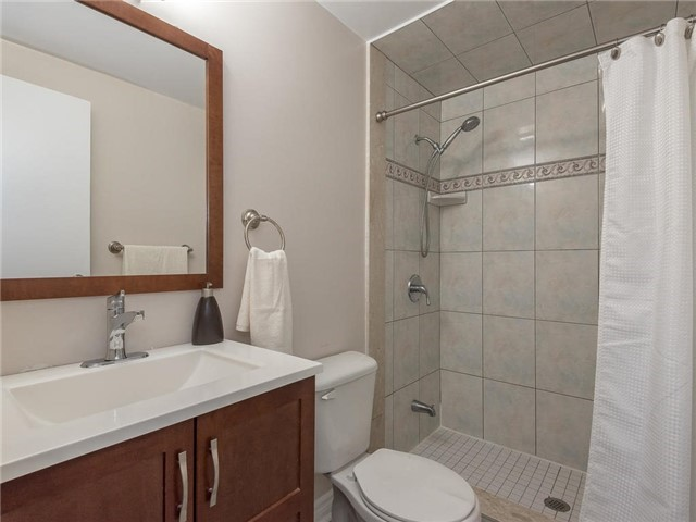 Detached at 6236 Miller's Grve, Mississauga, Ontario. Image 20
