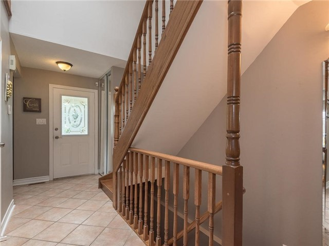 Detached at 6236 Miller's Grve, Mississauga, Ontario. Image 5