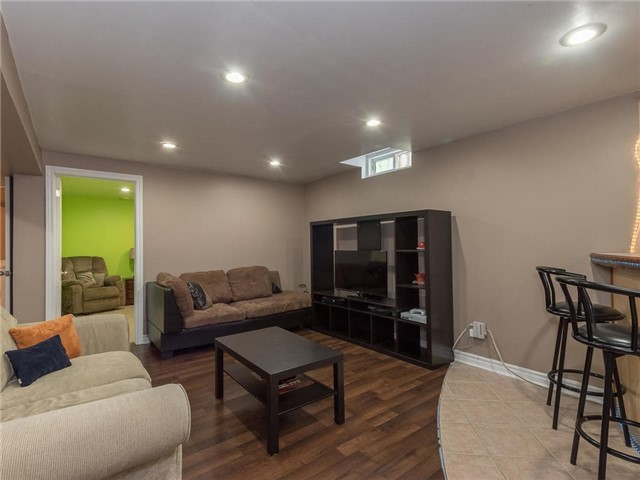 Detached at 6236 Miller's Grve, Mississauga, Ontario. Image 6