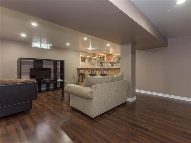 Detached at 6236 Miller's Grve, Mississauga, Ontario. Image 7