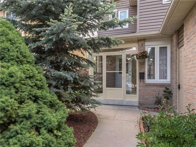 Detached at 6236 Miller's Grve, Mississauga, Ontario. Image 11