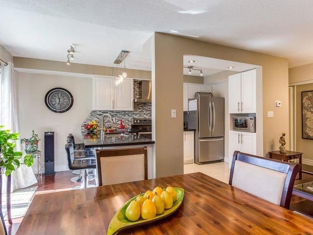 Condo Townhouse at 6950 Tenth Line, Unit 70, Mississauga, Ontario. Image 18