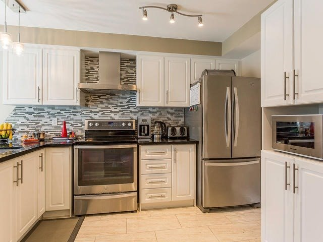 Condo Townhouse at 6950 Tenth Line, Unit 70, Mississauga, Ontario. Image 19