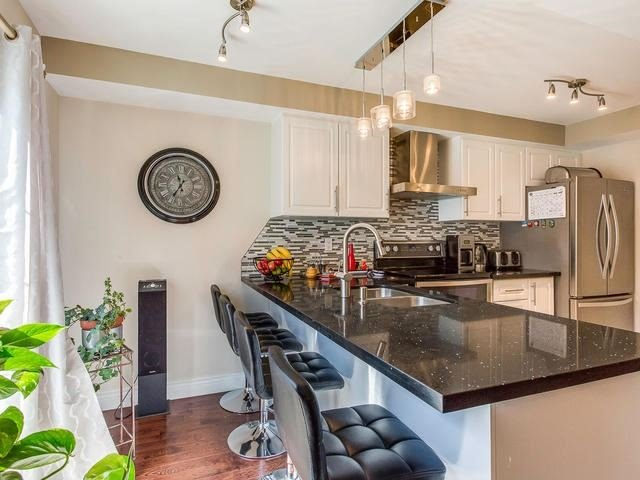 Condo Townhouse at 6950 Tenth Line, Unit 70, Mississauga, Ontario. Image 2