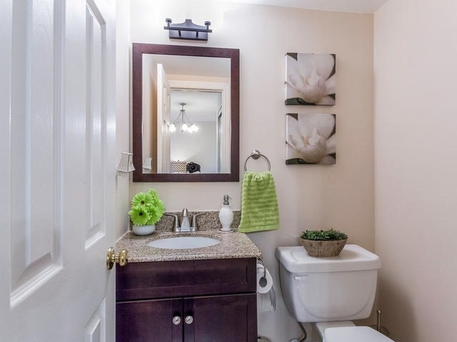 Condo Townhouse at 6950 Tenth Line, Unit 70, Mississauga, Ontario. Image 3