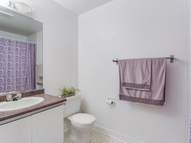 Condo Townhouse at 6950 Tenth Line, Unit 70, Mississauga, Ontario. Image 8