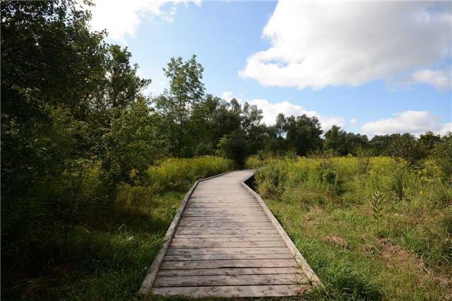 Detached at 61 Metcalfe Crt, Halton Hills, Ontario. Image 13