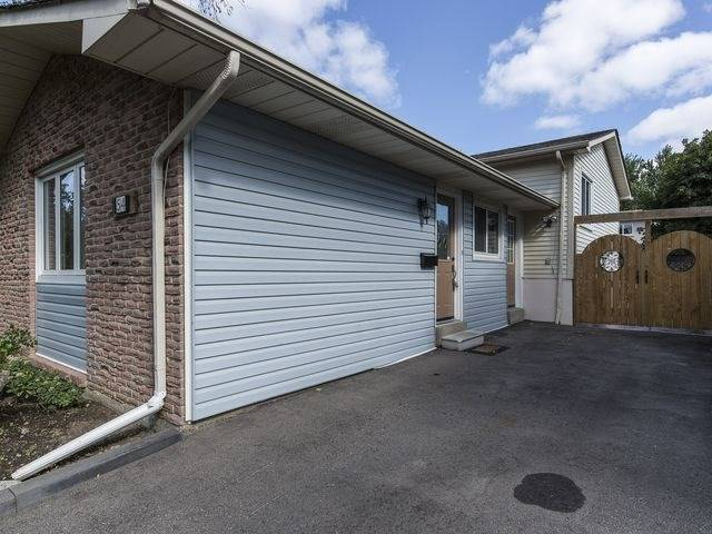 Semi-detached at 54 Carberry Cres, Brampton, Ontario. Image 12