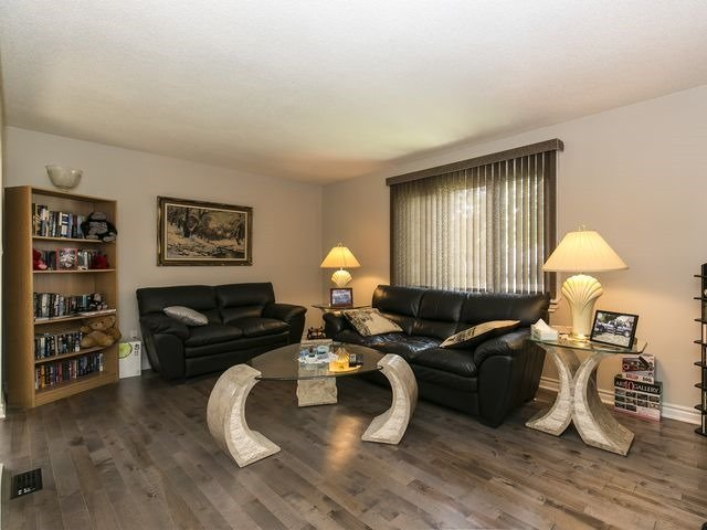 Semi-detached at 54 Carberry Cres, Brampton, Ontario. Image 2