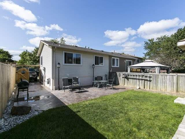 Semi-detached at 54 Carberry Cres, Brampton, Ontario. Image 11