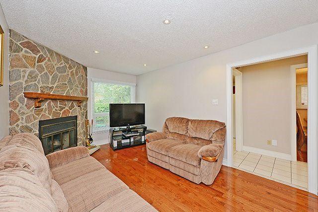 Detached at 6461 Warbler Lane, Mississauga, Ontario. Image 16