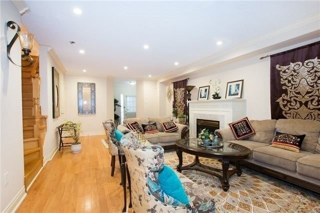 Semi-detached at 5967 Churchill Meadows Blvd, Mississauga, Ontario. Image 17
