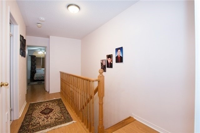 Semi-detached at 5967 Churchill Meadows Blvd, Mississauga, Ontario. Image 3
