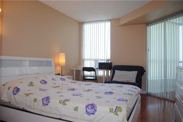 Condo Apartment at 4470 Tucana Crt, Unit 2006, Mississauga, Ontario. Image 10