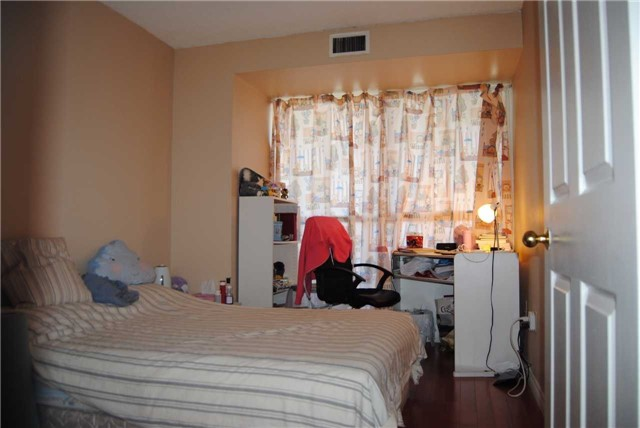 Condo Apartment at 4470 Tucana Crt, Unit 2006, Mississauga, Ontario. Image 12