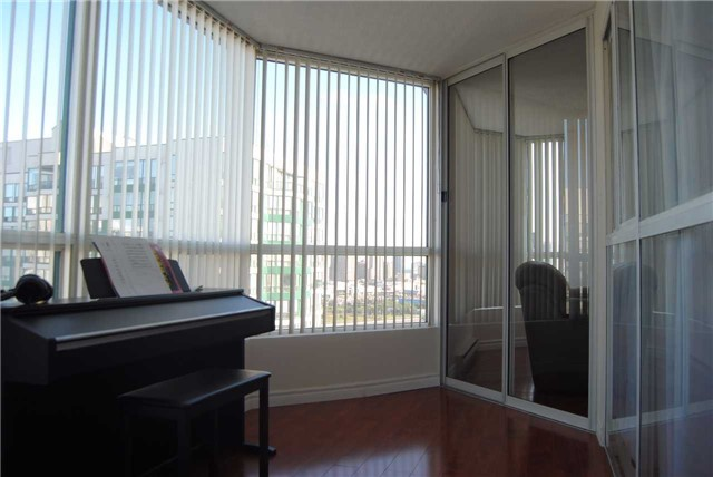 Condo Apartment at 4470 Tucana Crt, Unit 2006, Mississauga, Ontario. Image 14
