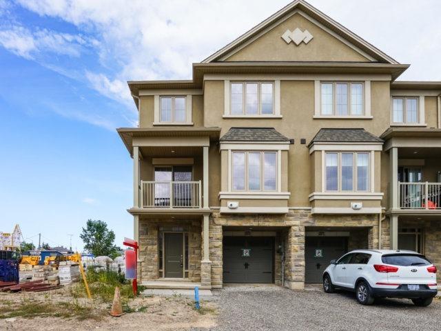 Townhouse at 2373 Natasha Circ, Oakville, Ontario. Image 12