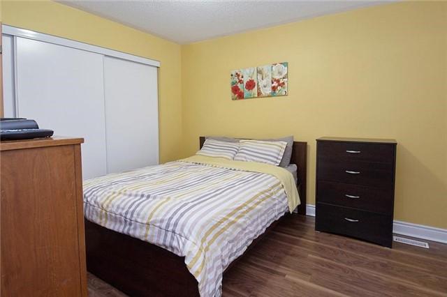 Condo Townhouse at 5 Richgrove Dr, Unit 105, Toronto, Ontario. Image 4