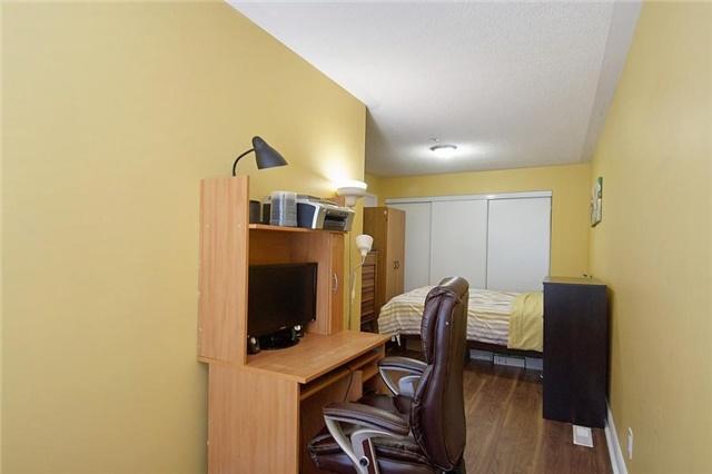 Condo Townhouse at 5 Richgrove Dr, Unit 105, Toronto, Ontario. Image 5