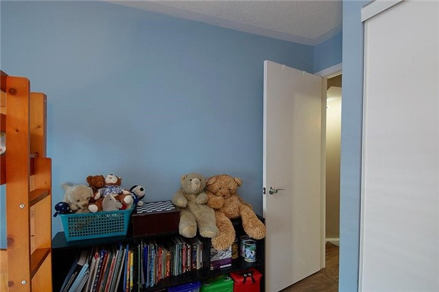 Condo Townhouse at 5 Richgrove Dr, Unit 105, Toronto, Ontario. Image 9