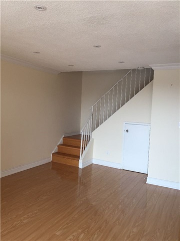 Condo Townhouse at 3025 The Credit Woodlands Rd, Unit 330, Mississauga, Ontario. Image 8