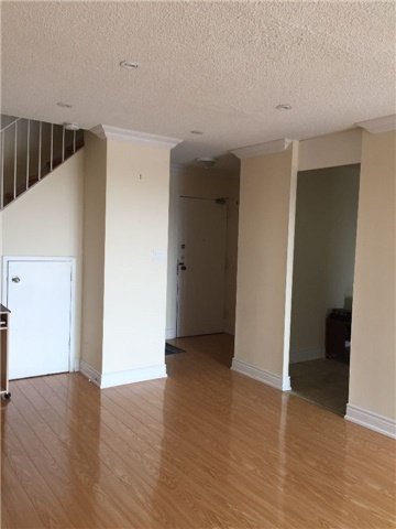 Condo Townhouse at 3025 The Credit Woodlands Rd, Unit 330, Mississauga, Ontario. Image 5