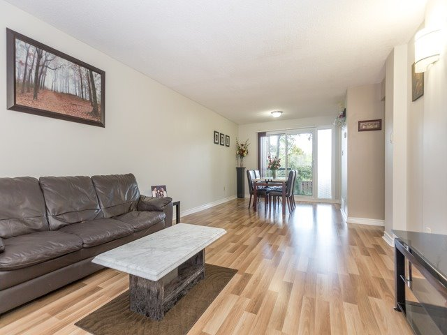 Condo Townhouse at 400 Bloor St E, Unit 104, Mississauga, Ontario. Image 9