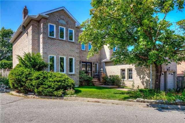 Detached at 6443 Tenth Line W, Mississauga, Ontario. Image 12