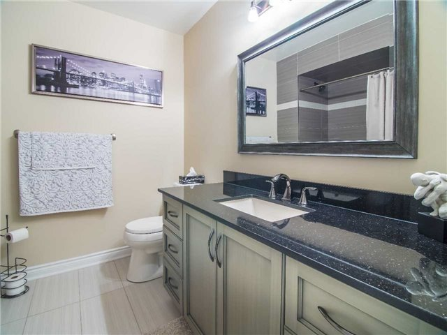 Condo Townhouse at 1905 Broad Hollow Gate, Unit 20, Mississauga, Ontario. Image 10