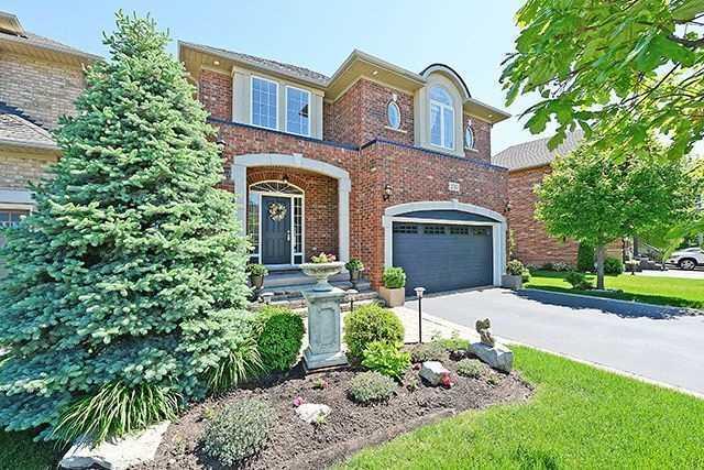 Detached at 2317 Parkglen Ave, Oakville, Ontario. Image 1
